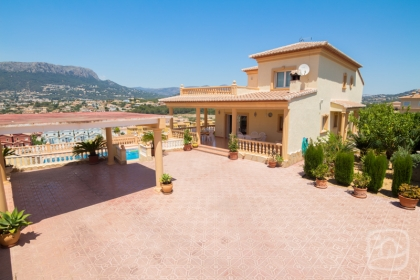 Location villa  piscine AB NOVA 9