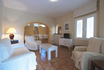 Location villa  piscine OL CLAUDI 16
