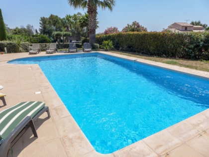 Location villa  piscine 709FRA-017 6