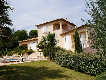 Location villa  piscine 709FRA-017 9