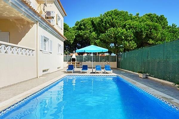 Location villa piscine albufeira 10 personnes hva 44 for Piscine 44