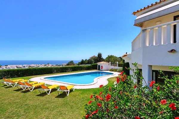 Location villa piscine albufeira 6 personnes hva 37 for Piscine 37
