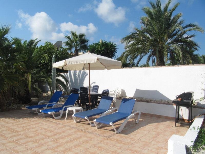 Location villa piscine moraira 6 personnes sv palme for Palme de piscine