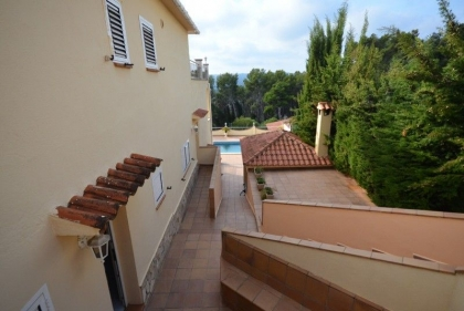 Location villa  piscine CV LARO 13