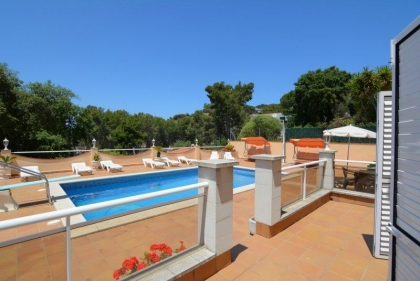 Location villa  piscine CV LARO 10