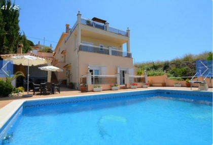 Location villa  piscine CV LARO 2