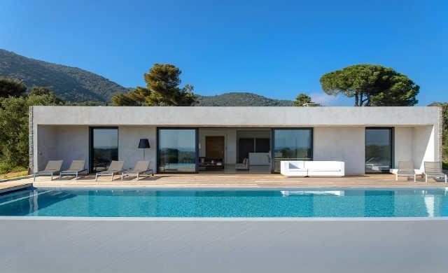location villa piscine porto vecchio 8 personnes corse 021. Black Bedroom Furniture Sets. Home Design Ideas