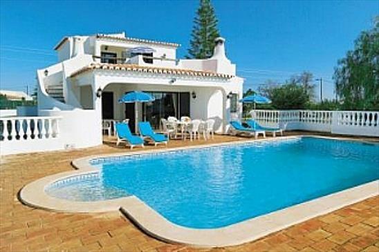 Location villa piscine albufeira 6 personnes algr oma for Location villa piscine portugal