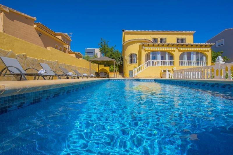 Аликанте отель с бассейном адлер