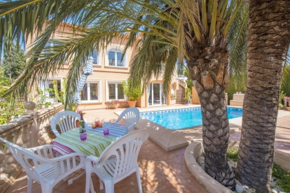 Location villa  piscine OL PETRY 4