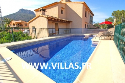 Location villa  piscine CC PINA 2