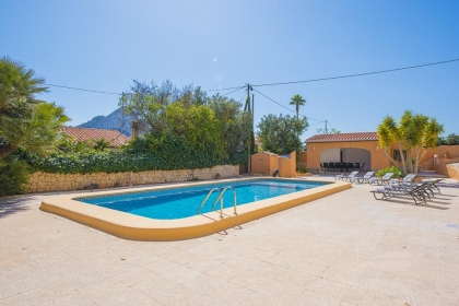Location villa  piscine OL CRON 3