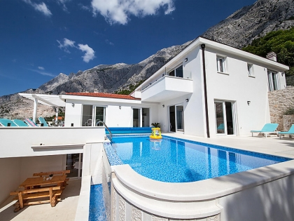 Location villa  piscine 709CRO-010 4