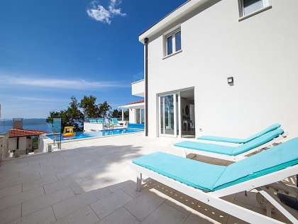 Location villa  piscine 709CRO-010 6