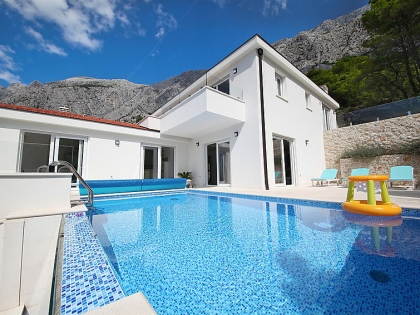 Location villa  piscine 709CRO-010 3