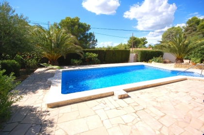 Location villa  piscine GX ELI 13