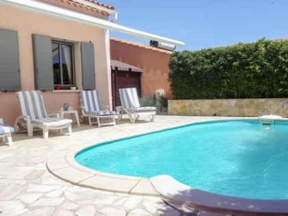 Location villa  piscine 709FRA-112 1