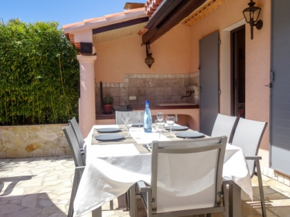 Location villa  piscine 709FRA-112 8