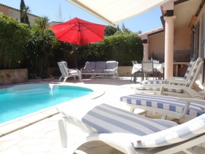 Location villa  piscine 709FRA-112 2