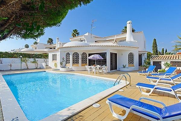 Location villa piscine albufeira 6 personnes hva 92 for Location villa piscine portugal