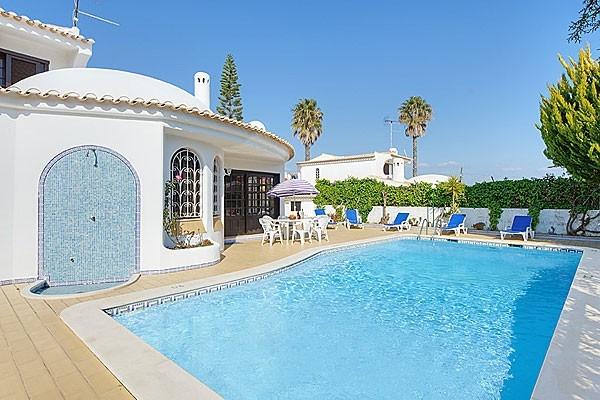 Location villa piscine albufeira 6 personnes hva 92 for Piscine 92