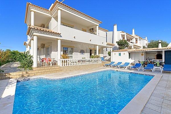 Location villa piscine albufeira 8 personnes hva 59 for Piscine 59