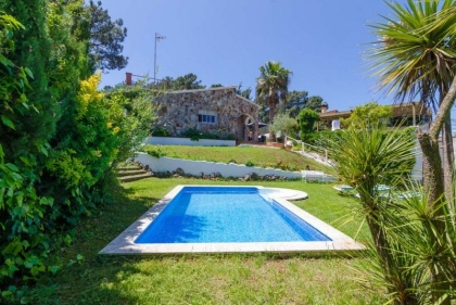 Location villa  piscine CV CAMA 8