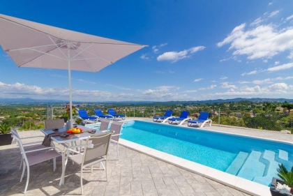 Location villa  piscine CV MAX 4
