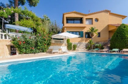 Location villa  piscine CV MORA 4