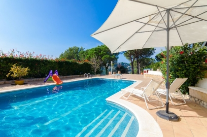 Location villa  piscine CV MORA 2
