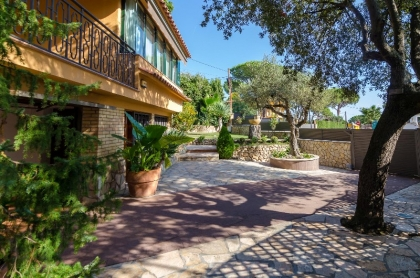 Location villa  piscine CV MORA 24