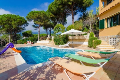 Location villa  piscine CV MORA 6