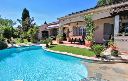 Location villa  piscine FLG-ROB416 1