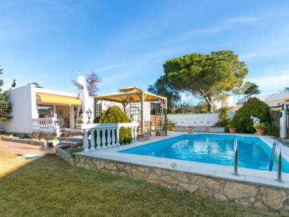 Location villa  piscine 709BRA-030 3