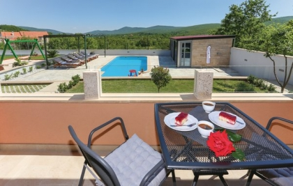 Location villa  piscine CDF-ROB512 8