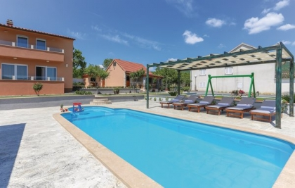 Location villa  piscine CDF-ROB512 11