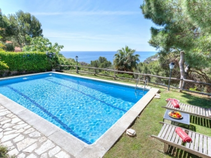 Location villa  piscine 709BRA-113 8