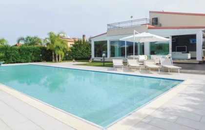 Location villa  piscine ISP-ROB156 1