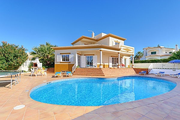 Location villa piscine albufeira 8 personnes hva 56 for Piscine 56