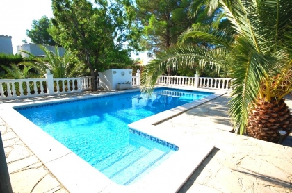 Location villa  piscine CP DOLORES 13