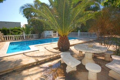 Location villa  piscine CP DOLORES 17